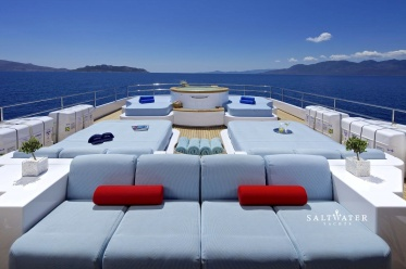 O'Ceanos motor yacht for charter in greece and Mediterranean. Saltwater Yachts